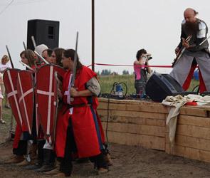 В селе Круглое спели о тяжелой рыцарской доле
