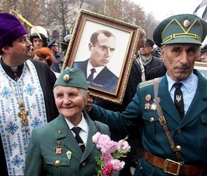 Бандеру сделали героем Украины