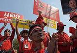 Таиландские оппозиционеры полили правительство своей кровью