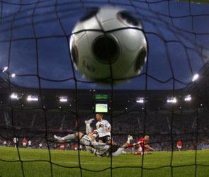 ЧМ-2010: В футбольный скандал вмешался президент Франции