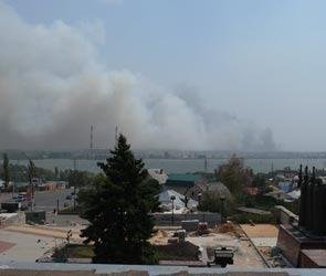 Большой пожар на Левом берегу Воронежа: эвакуировали две базы отдыха и больницу