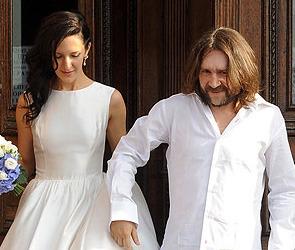 Сергей Шнуров женился на воронежской студентке