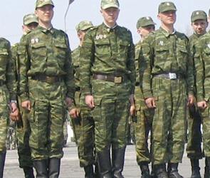 В Уфе военнослужащий  сбил на дороге солдат, двое погибли
