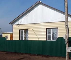 Алексей Гордеев проверил, как идёт строительство домов для погорельцев
