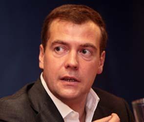 Дмитрий Медведев оградит аспирантов от призыва