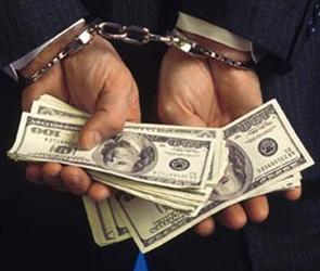 Автомобилиста могут наказать за попытку дать взятку сотруднику ДПС