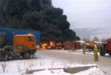 В центре Воронежа работают небезопасные бензоколонки