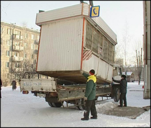 В Советском районе Воронежа торгуют в незаконно установленных киосках