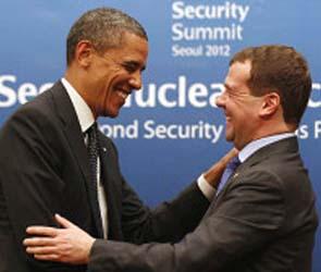 У президента США требуют объяснений после его беседы с Медведевым
