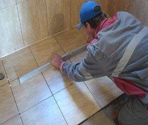 Керамическая плитка: укладка на пол