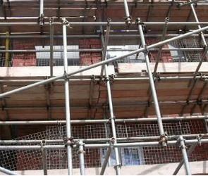Злоумышленник украл строительные леса в Воронеже