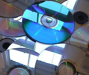 Пиратские диски изъяли в Воронеже