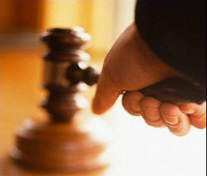 Мужчина ответит перед судом за оскорбление полицейского в Воронеже