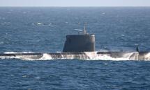 Атомная субмарина врезалась в корабль США