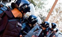 Молдаване громят парламент