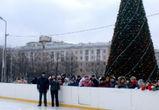 В Воронеже открылись бесплатные катки на площади Ленина