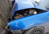 В Воронеже иномарка врезалась в дерево - пострадали два человека