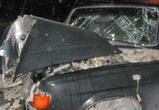 Автомобиль врезался в столб на левом берегу в Воронеже