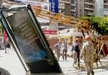 В центре Воронежа строительный кран рухнул на тротуар (ФОТО)