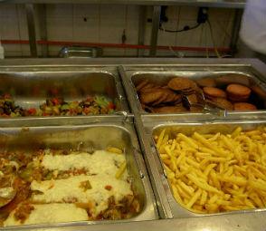 134 килограмма испорченных продуктов нашли в воронежских летних лагерях