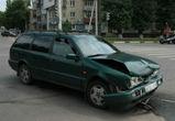 На Ленинском проспекте рядом с семинарией ВАЗ протаранил иномарку(ФОТО)