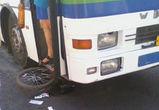 В Воронеже школьник на велосипеде попал под колеса автобуса