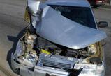 На Левом берегу столкнулись «ВАЗ» и грузовик: ранены три человека