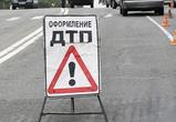 В частный дом под Воронежем врезалась иномарка