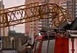 На стройке под Воронежем упал кран, ранен человек