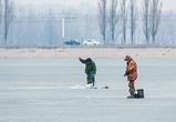 Воронежские рыбаки научились ходить почти по воде (ФОТО)
