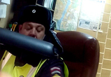 Матерящийся инспектор ГИБДД наказал пассажира за мат (ВИДЕО)