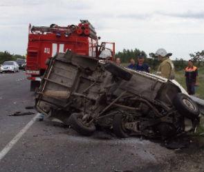В Новоусманском районе «лоб в лоб» столкнулись ВАЗ и грузовик (ФОТО)