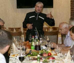 Ресторан «Тифлис» и портал 36on устроили для журналистов грузинское застолье