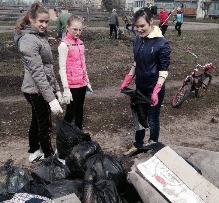 Тимуровцы из Новой Усмани объявили войну мусору в своем поселке