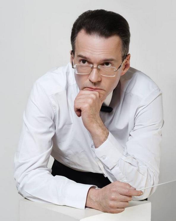 Андрей Огиевский: «Публика не заслуживает, чтобы перед ней бегали в трениках»