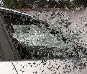 На трассе «Воронеж-Тамбов» столкнулись три автомобиля: виновник ДТП погиб