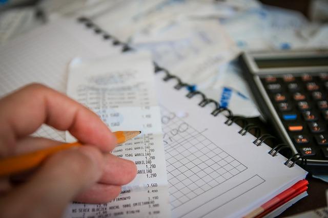 Директор крупного воронежского предприятия погашал кредиты деньгами сотрудников