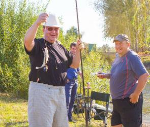 Мужской клуб «Сильный&Стильный» проводил рыбалкой бабье лето