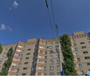 В Воронеже на Ленинском проспекте девушка разбилась, упав с крыши многоэтажки
