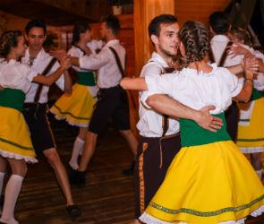 Воронежцы отметили Октоберфест в парк-отеле «Тайга» (ФОТО)