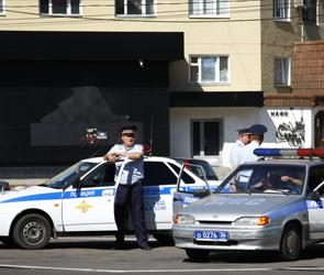 В Воронеже водитель наказал доверчивого инспектора ГИБДД, требовавшего взятку