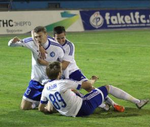«Факел» продолжил беспроигрышную серию, забив три чудо-мяча в ворота «Байкала»