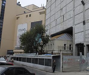 Дом купца Балашова, встроенный в здание ГЧ, попал в «Идиотеку» Артемия Лебедева