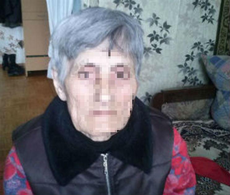 В Семилуках потерявшая дом бабушка две ночи спала на камнях