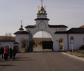 Портал 36on организовал бесплатную экскурсию в Спасский женский монастырь