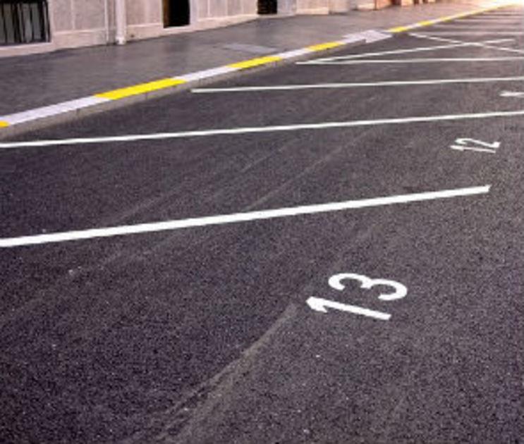 В мэрии объяснили, почему первая платная парковка в центре города будет частной