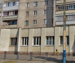 В Воронеже кинологи искали бомбу в детской поликлинике и на двух остановках