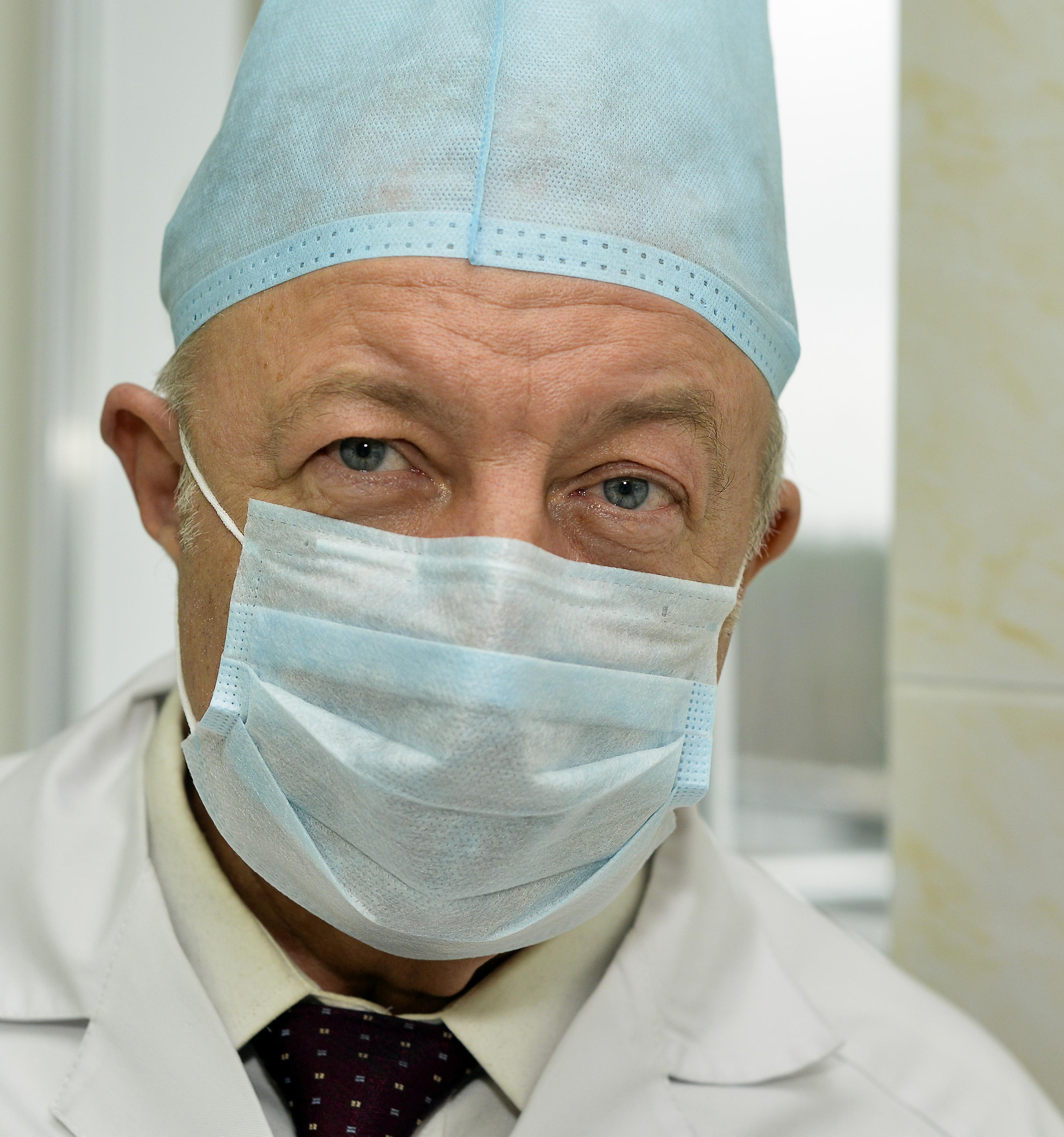 Хирург Валерий Абакумов: «Операции на суставах – работа для хилера»