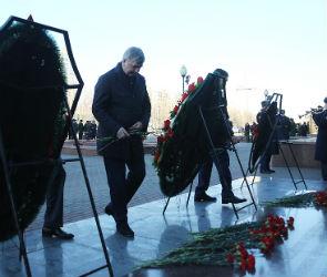 Александр Гусев возложил цветы к мемориалу «Памятник Славы» (ФОТО)