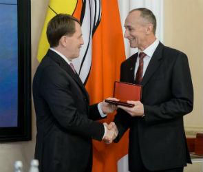 Губернатор вручил высокие награды жителям Воронежской области